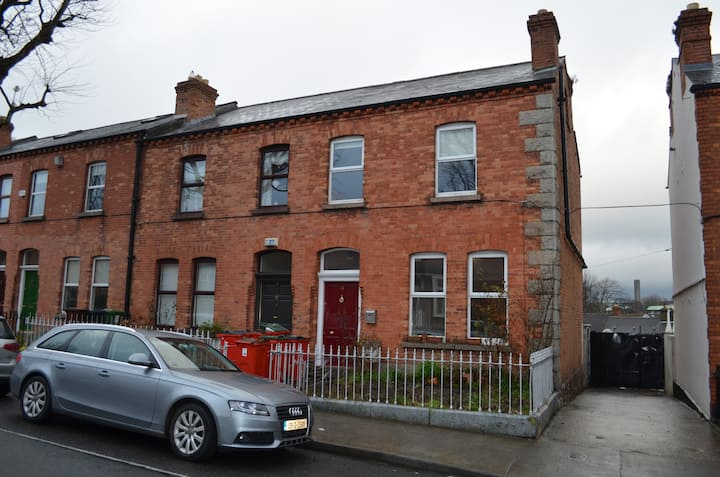 Period family home, central and well equipped