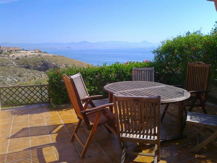 R138 - HOLIDAY HOME WITH SEA VIEW ON URB. EL FARO