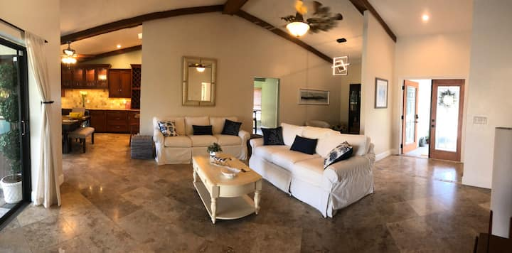 Relax In This Fort Myers Vacation Home With Pool