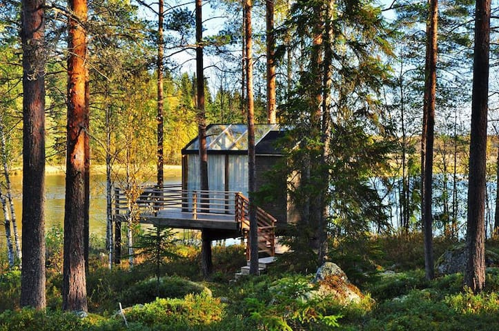 Glass House Haven (treehouse)