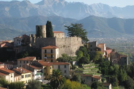 Mare, fiume e collina tra Cinque Terre e Versilia - Ameglia