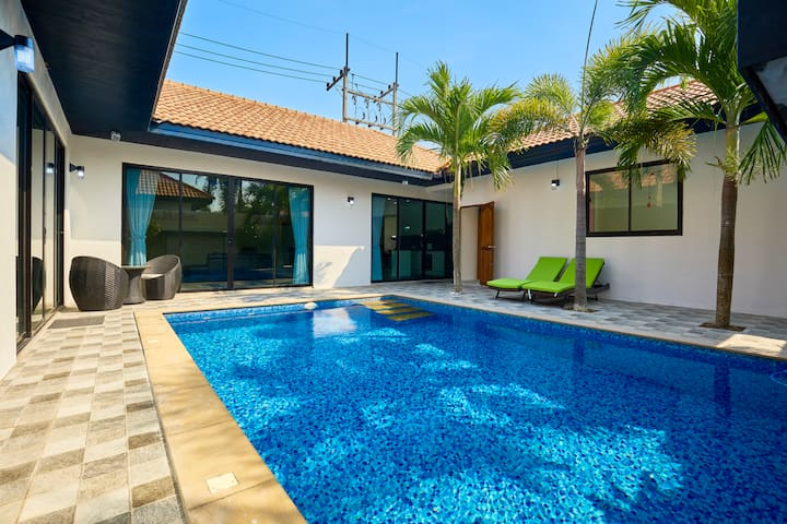 Modern 4 Bedrooms pool villa