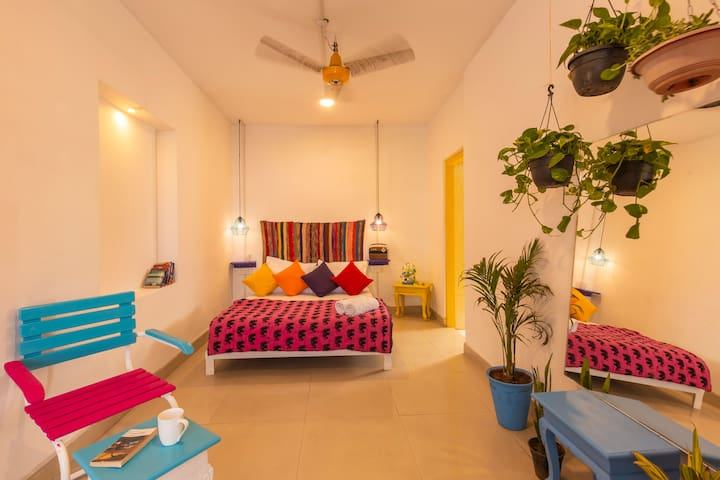 Bed in 6 Bed Dorm @gostops Jaipur