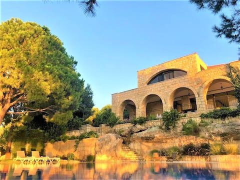 Fønikernes Landing - 5BR Villa, Swimmingpool, Have