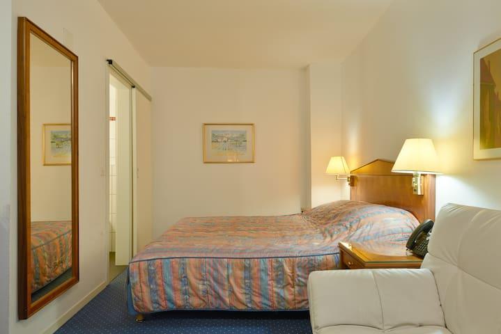 1.2 Joseph - Hine Adon Aparthotel