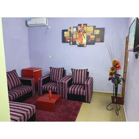 Douala: Magnifique Studio Meublé avec Forage