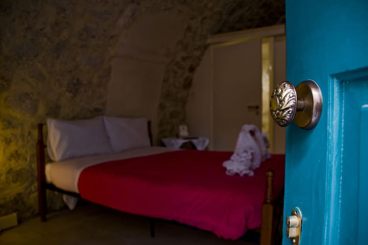 Old Town Traditional Stone House - Rethymno - Bed & Breakfast