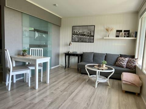 Apartamento recientemente reformado con vistas al mar en alquiler