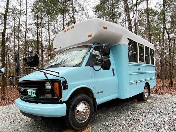 🚌💨 School Bus Conversion, Romantic Tiny Home Stay