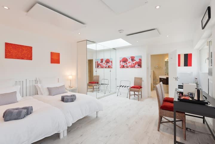 High Spec Luxury En Suite in Monkstown Co. Dublin.