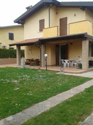 Villetta Sirmione - Lago di Garda - Fossa Lojera - Casa