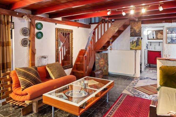 Restful Apartment in Istiaia with Patio