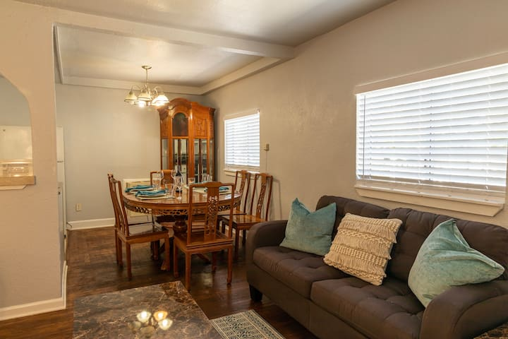 ★ Cozy 2-Bedroom in the heart of Redwood City ★