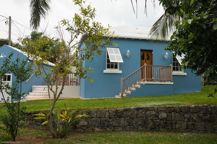 Captain's Cottage - St. George Town