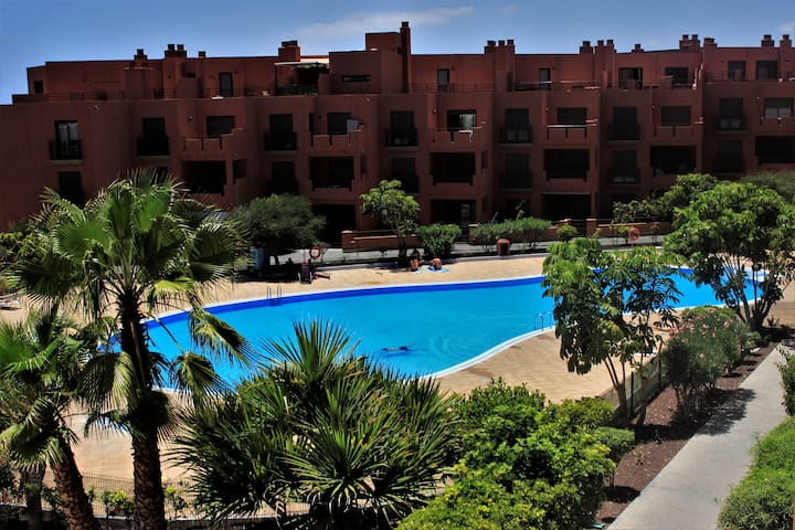 Apartment with sea & garden view air-conditioned