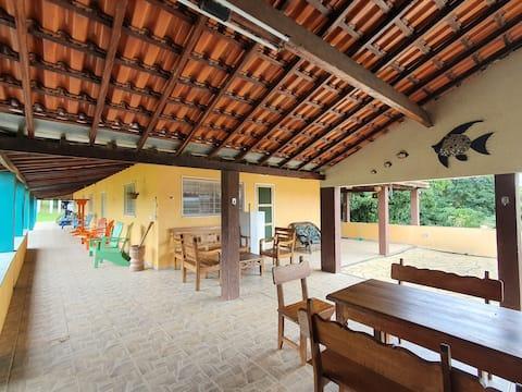 Casa com piscina/hidro - fazenda no lago de Furnas