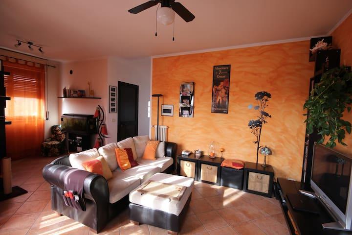 Accogliente Alloggio ad Ivrea - Ivrea - Apartment