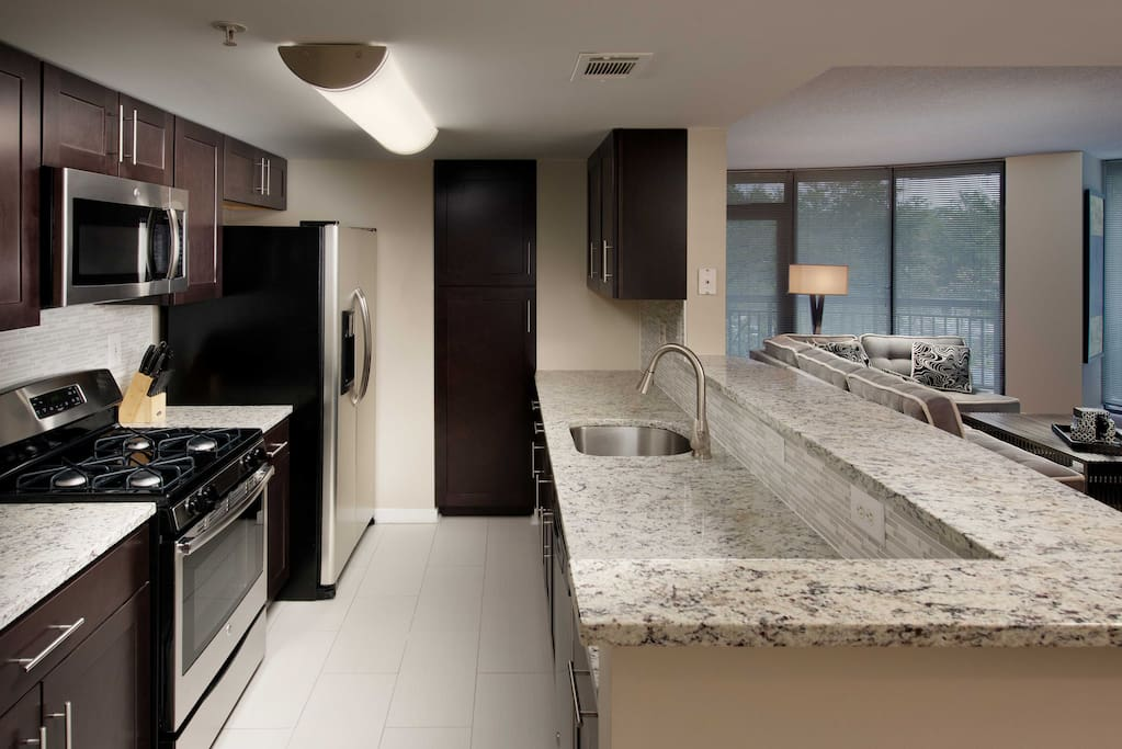 Just Across Dc Pentagon City Metro 2br Serviced Apartments For Rent In Arlington Virginia