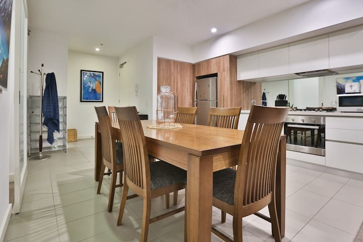 Modern Apt 2BD/2BR Heart SouthYarra *Wifi*GYM*POOL
