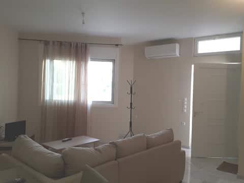 Cozy new flat next to Nafplio