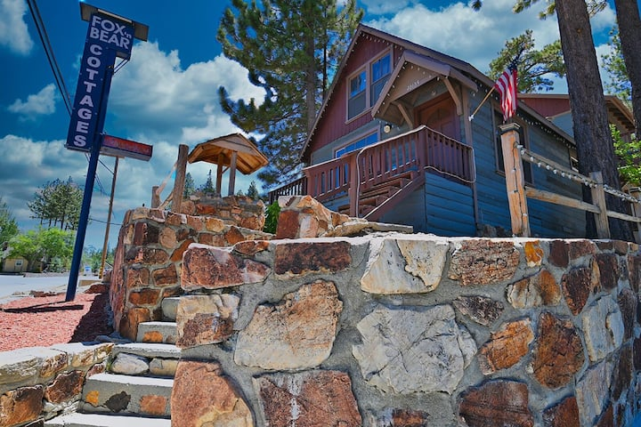 Fox n Bear Cottages Relax and Enjoy Ski or Lake Vacation