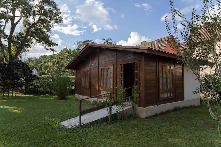 Chalé em Área Verde - Penedo, Itatiaia / RJ - Jardim Martineli - Cabane