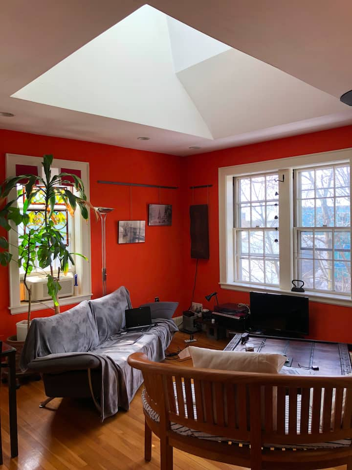 Harvard Sq Bright Designer 1BdrmApt-monthly rental