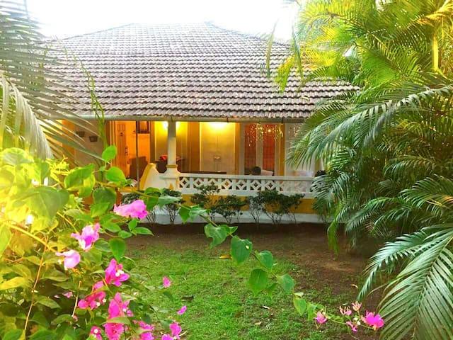 Sundays Forever - Casa Bougainvilea, Goa - Aldona - Casa de camp