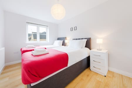 Clean Apartment - Perfect for Self Isolation