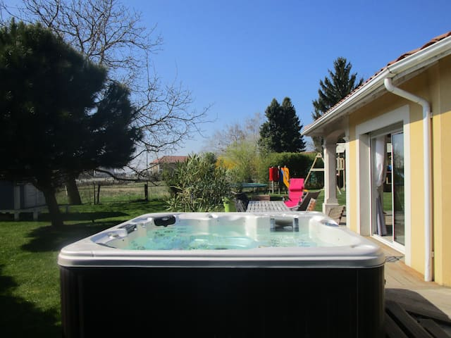 Ideal family house with children,jacuzzi  ... - Succieu - House