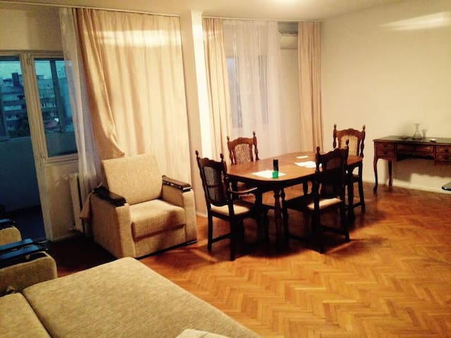 Open space living room to let - București - Appartement