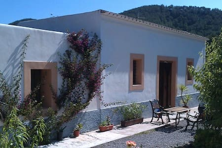 Typical Ibiza house close to beach - Port de Sant Miquel - วิลล่า
