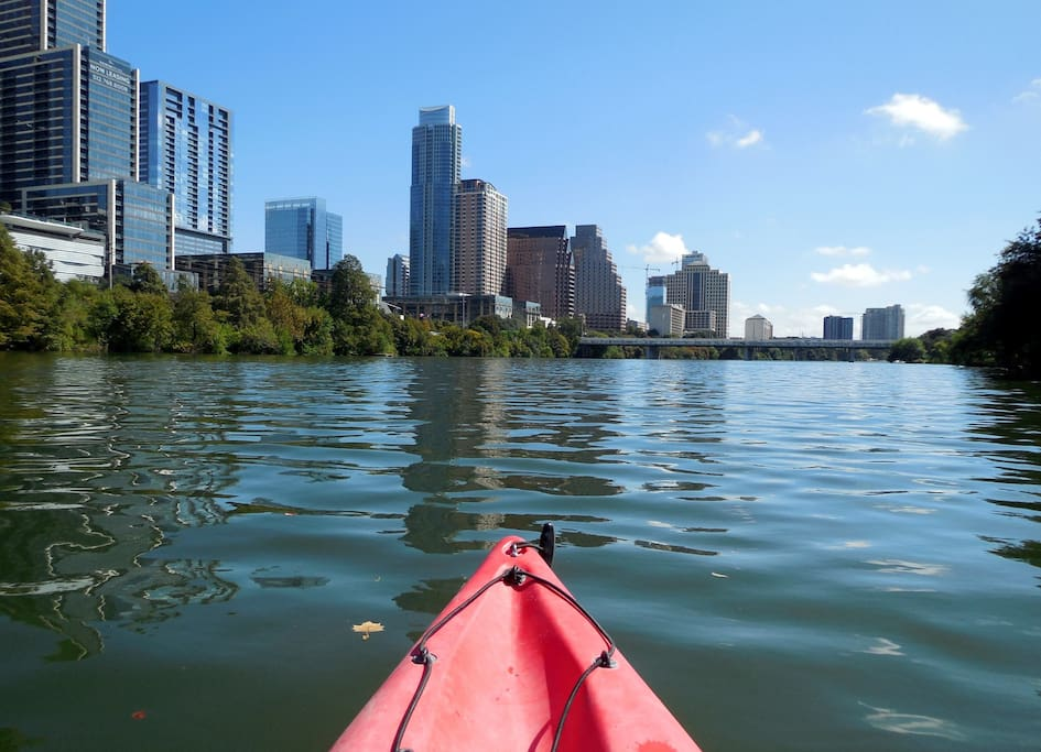 DT Austin - Kayak on Lady Bird Lake - 15-20 Minutes from Home!