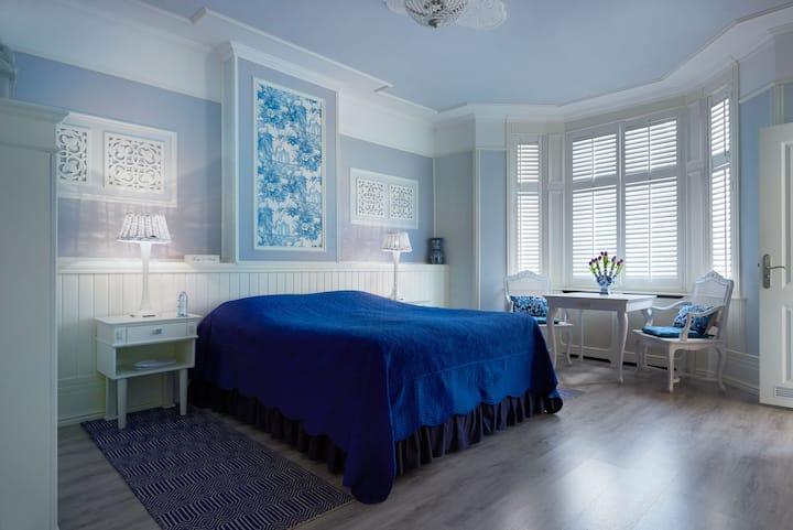 Vondelpark House Bed & Breakfast Rooms 1&2.