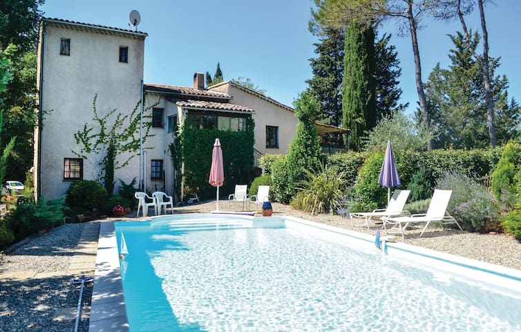 Nice home in Lorgues with 1 Bedrooms