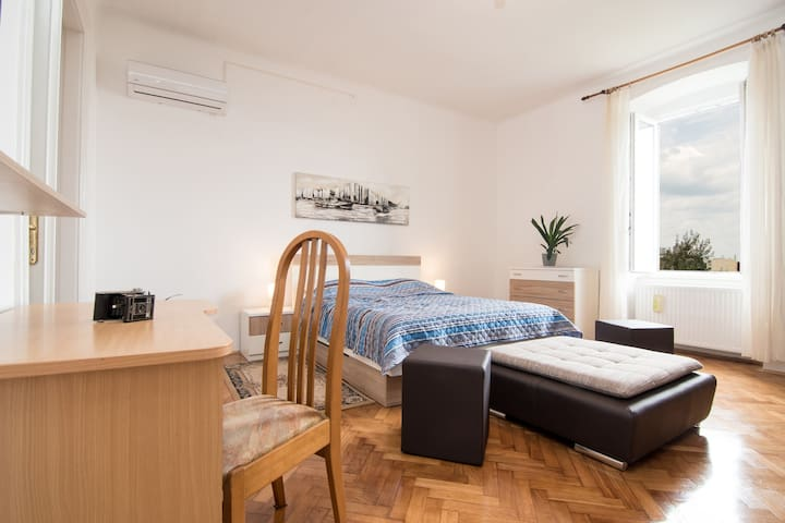 Home&Garden Apartment