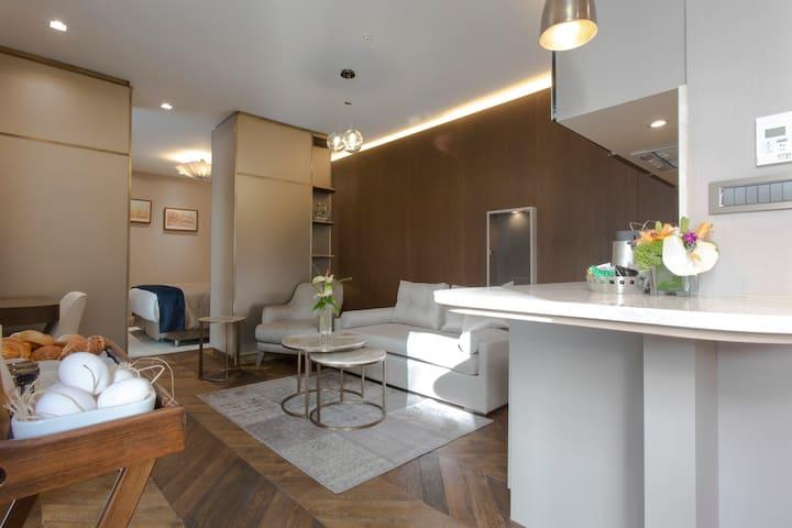 Noble22 City View Junior Suite