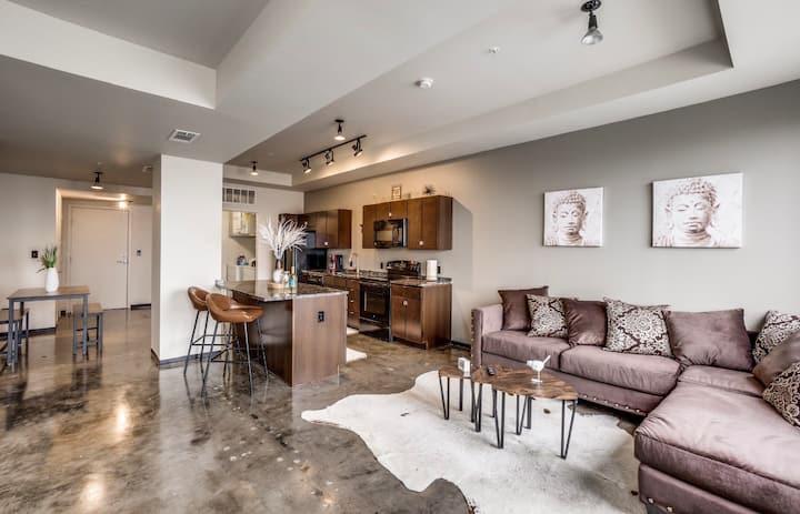 Luxury Rustic loft (Free parking)
