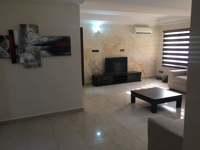Troy by CasaFlo Realties Ltd - Lagos - Appartement