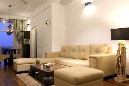 Sea View Fully Furnished 2BR Luxury Apartment - Colombo
