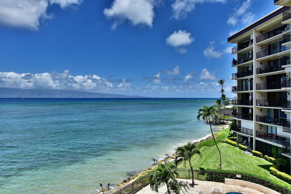 Hotel,Resort,Building,High Rise,Coast