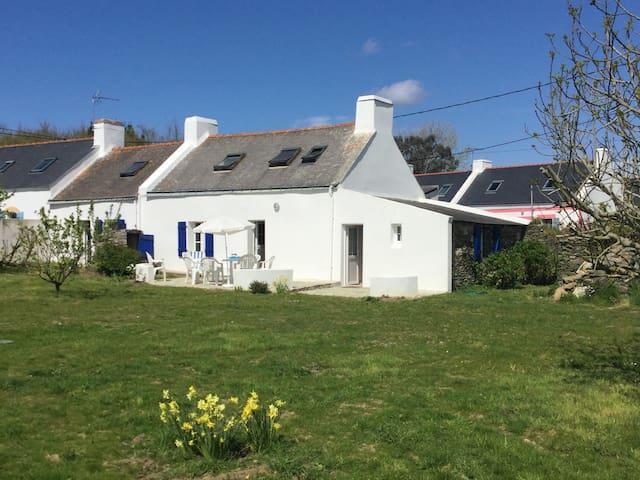 Longère en pierre, rénovée, à Belle Isle en Mer, - Bangor - House