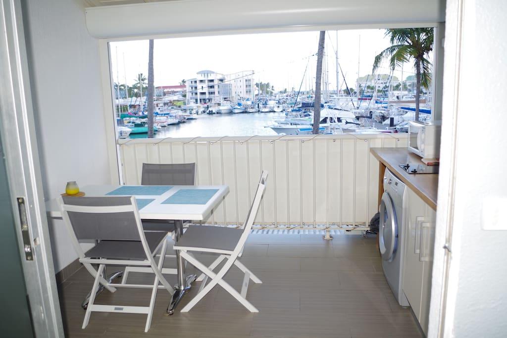 terrasse/cuisine vue marina
