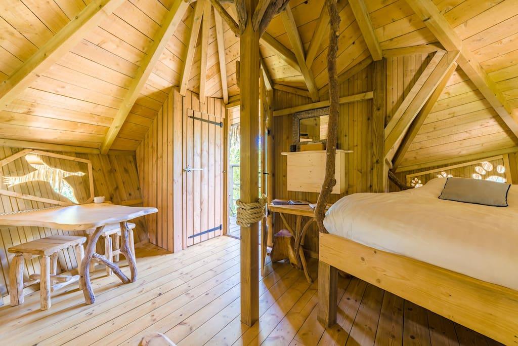 cabane reflet pour 2 personnes cabanes dans les arbres louer chassey l s montbozon. Black Bedroom Furniture Sets. Home Design Ideas