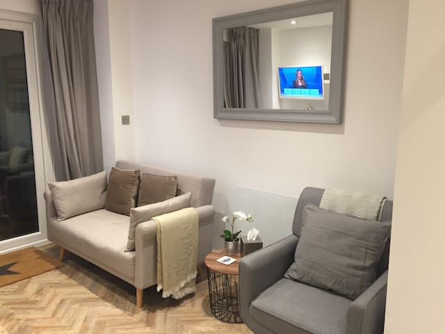 Brand New studio apartment near Cambridge