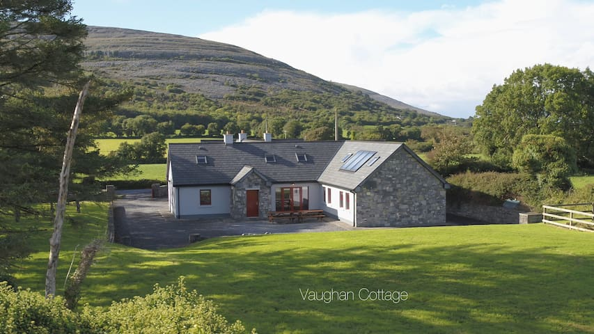 Family Mountain/Sea House on the Wild Atlantic Way