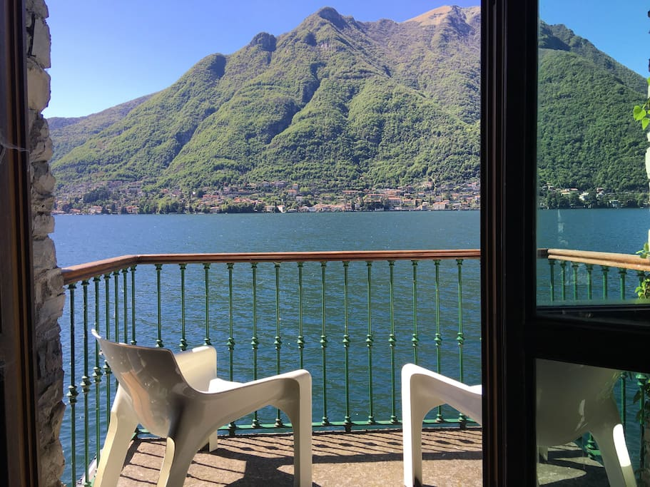 The breathtaking view on the Como lake from your balcony