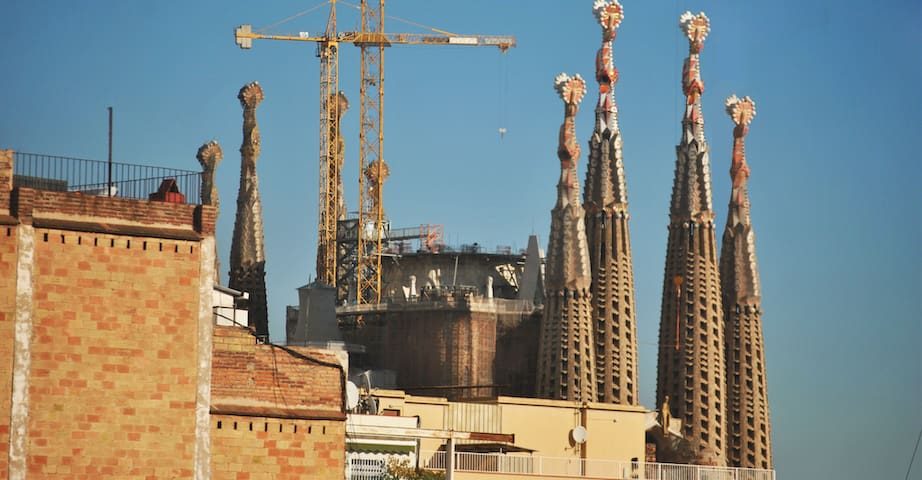 Beautiful room with view to Sagrada Familia - Barcelona