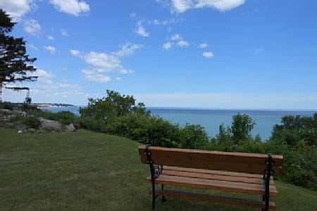 HOME OVERLOOKING LAKE MICHIGAN - Sheboygan