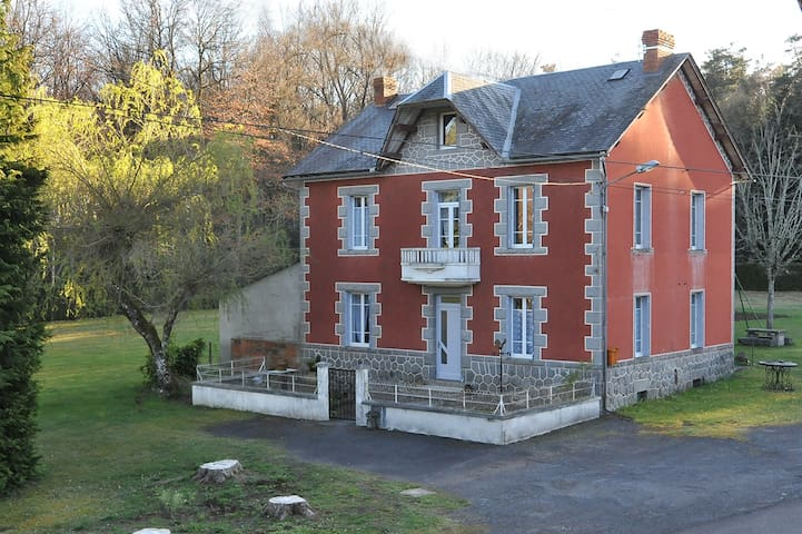 La Clairière aux Sapins - Saint-Hilaire-les-Monges - Haus